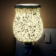 White Glow Crackle Tulip Mosaic Wax Warmer